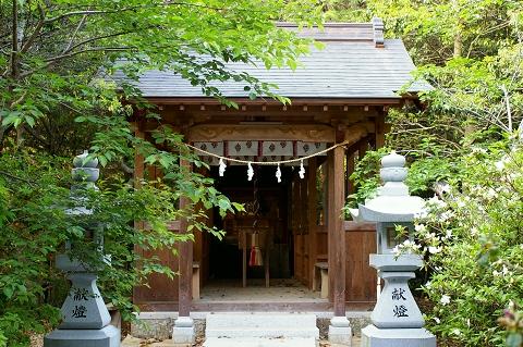丸山神社拝殿