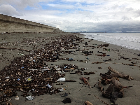 台風一過の小松海岸