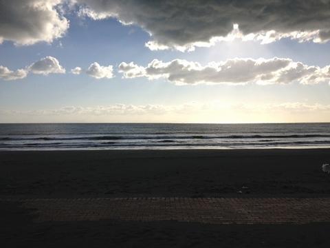 早朝の小松海岸