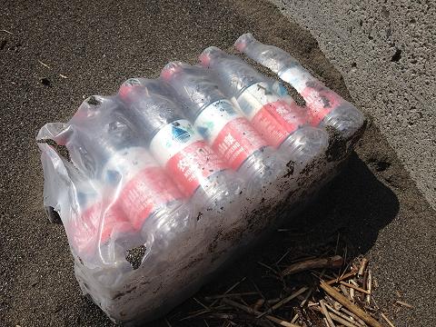 水のペットボトル?