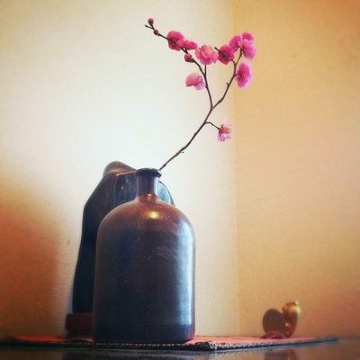 大谷焼瓶と梅