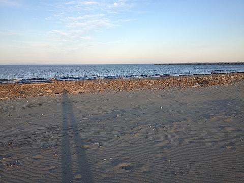 夕暮れの小松海岸