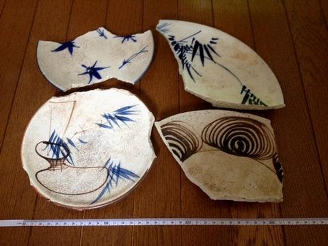 瀬戸絵皿と馬の目皿