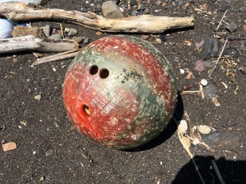 ボーリングの球