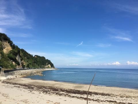 沼島汽船乗り場の浜