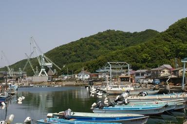 昼下がりの漁港