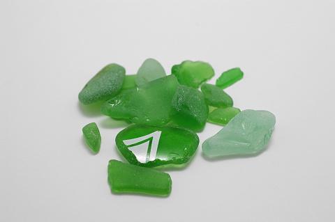 ビーチグラス緑色