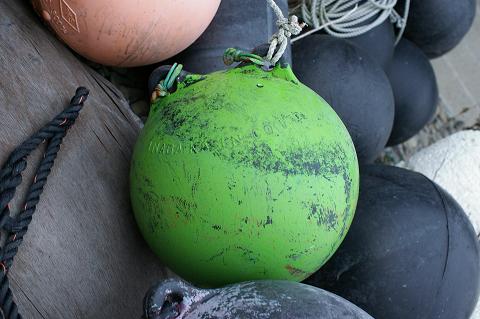 緑の浮き玉